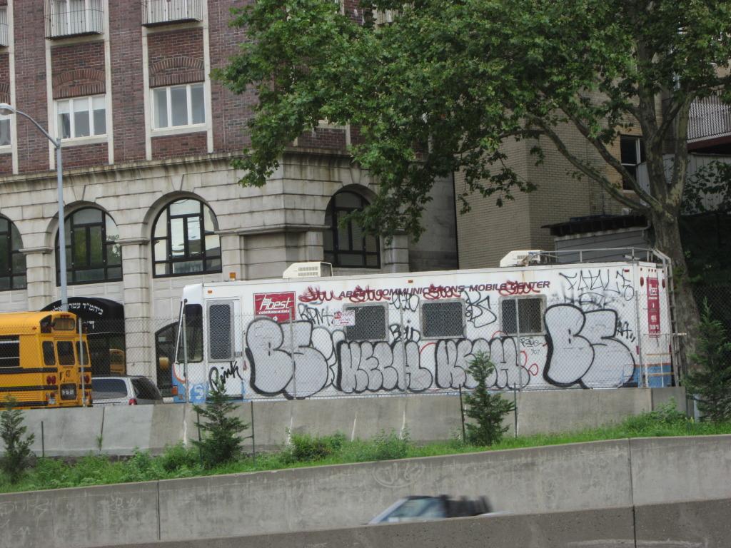 GRAFFITI:  FATAL NFO · KECH · BS · STU
