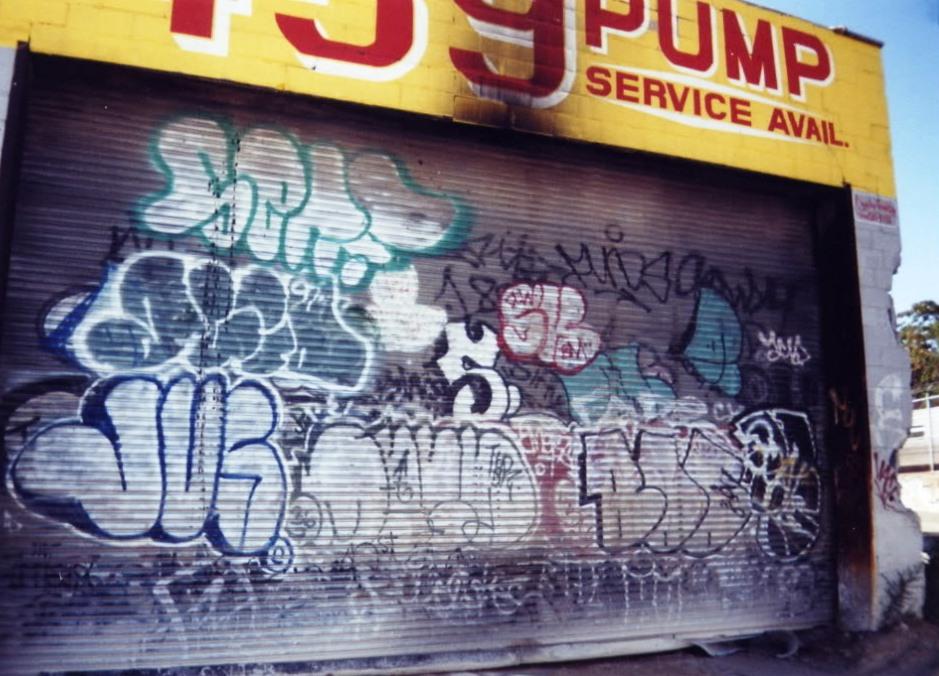GRAFFITI:  FRITZ 182 · SERF · ACID · MEGA T2B · BOO 36
